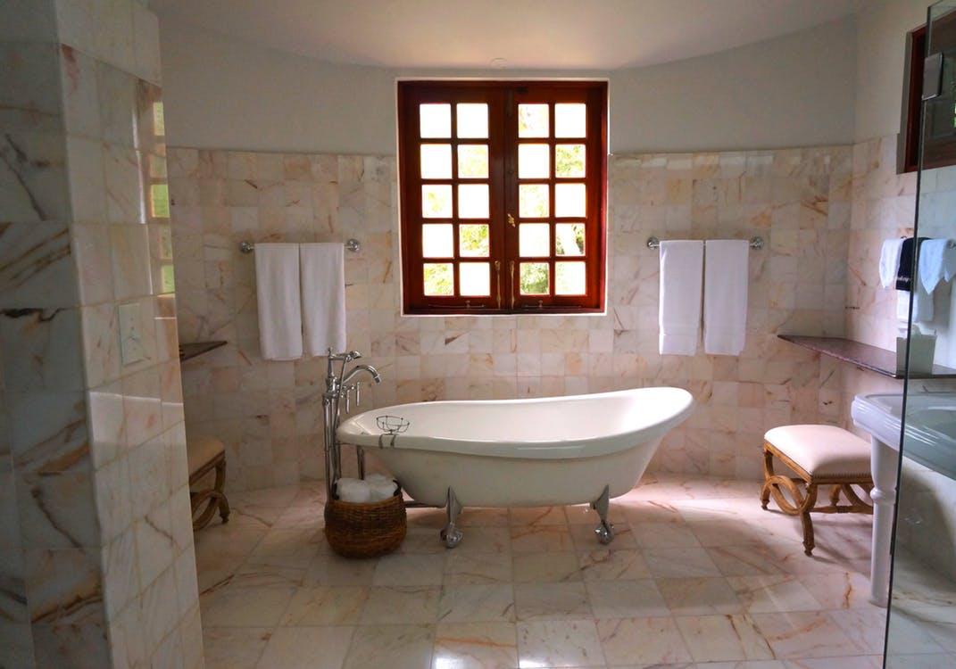 Glasvlies Behang Badkamer : Geef uw badkamer een nieuwe metamorfose thuisverbouwen
